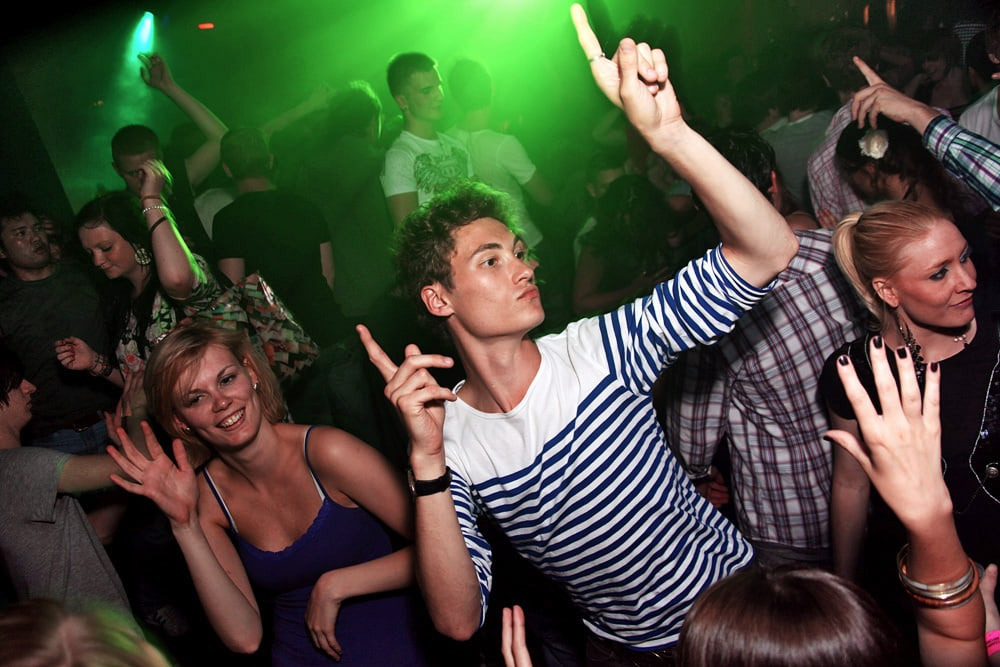 Nightclub photography tutorial example image 17